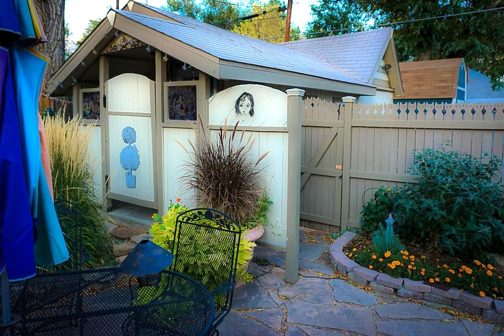 Cozy Cottage Near Downtown on the West Side - Colorado Springs - Pension