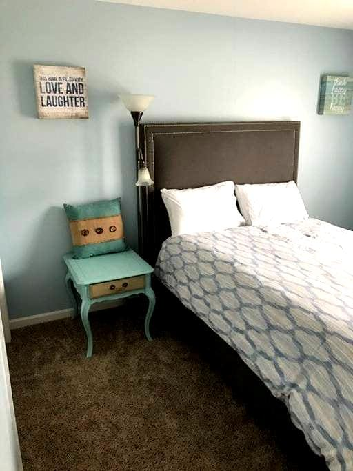 Private Room in Cozy House with Awesome Hosts! - Soddy-Daisy - Huis