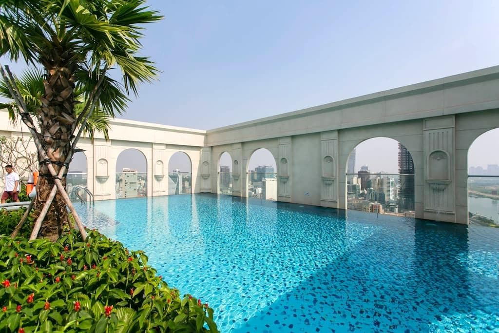 1 BR apt ❤ river view, FREE rooftop pool, central - Ho Chi Minh City - Appartement