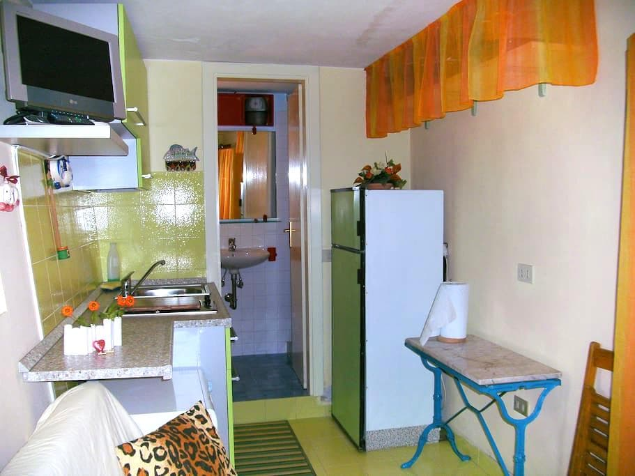 Independent Cozy Room for 2 guests - Spoleto - House