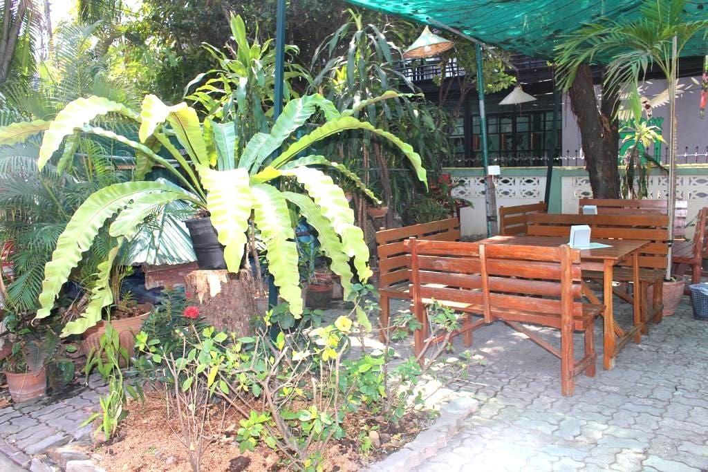 Jungala House - Twin rooms, spacious green garden - Chiang Mai - Oda + Kahvaltı