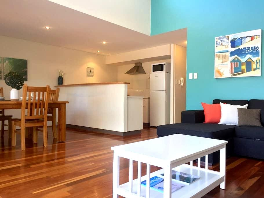 Modern & stylish 2BD 2BTH apt in the heart of town - Margaret River - Appartement