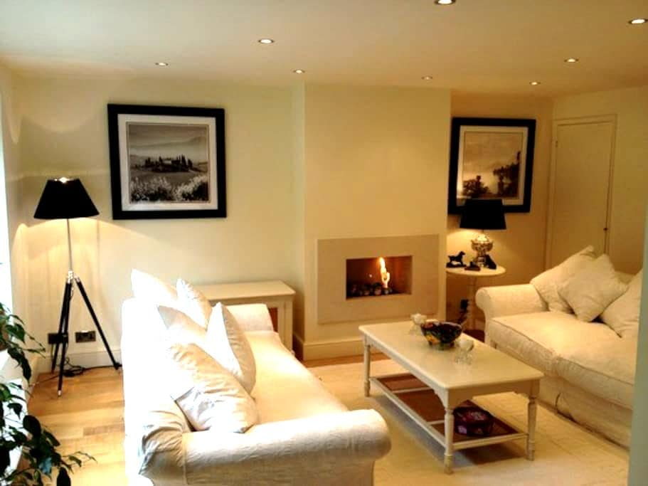Delightful 2 Double Bedroom House - Henley-on-Thames - Rumah