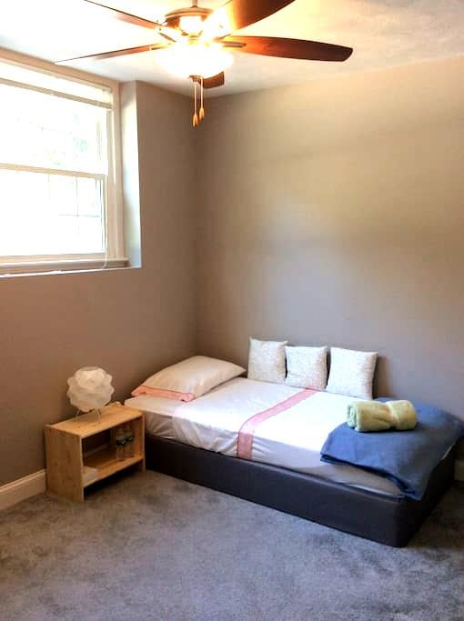 Cozy 1BD for short trips - Worcester - Appartement