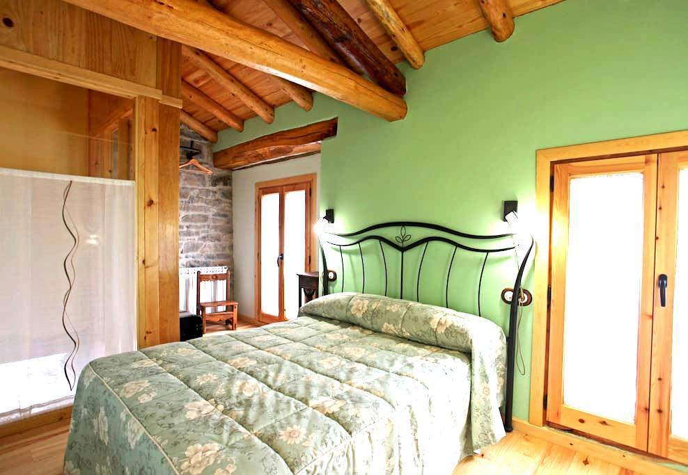 Casa rural entre la Sierra de Guara y el Pirineo - Mondot - Hus