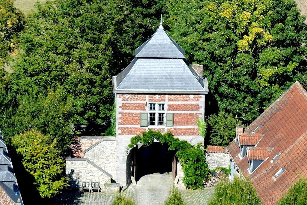Experience a tower ........... - feluy - Leilighet