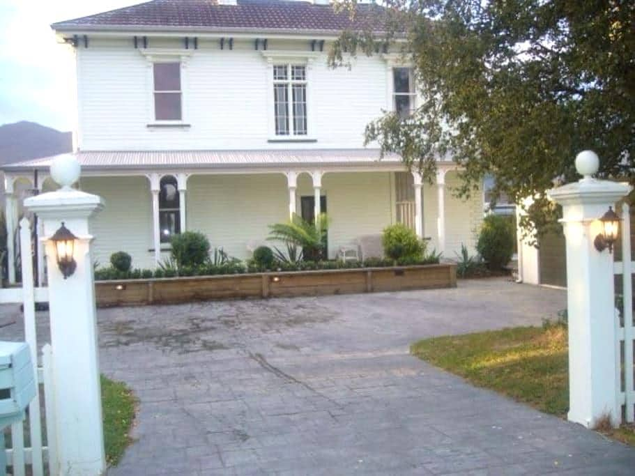 Stunning Historic Victorian Villa - Havelock - Rumah