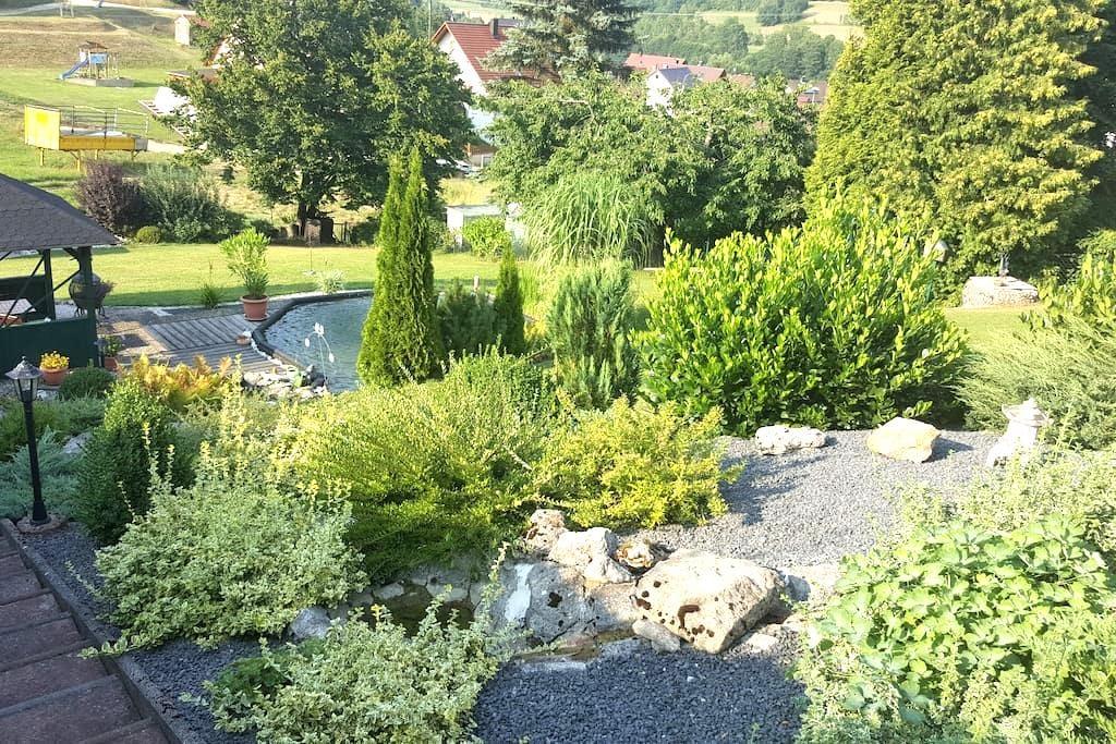 Gemütliche Ferienwohnung im Grünen - Kirchensittenbach - Appartement