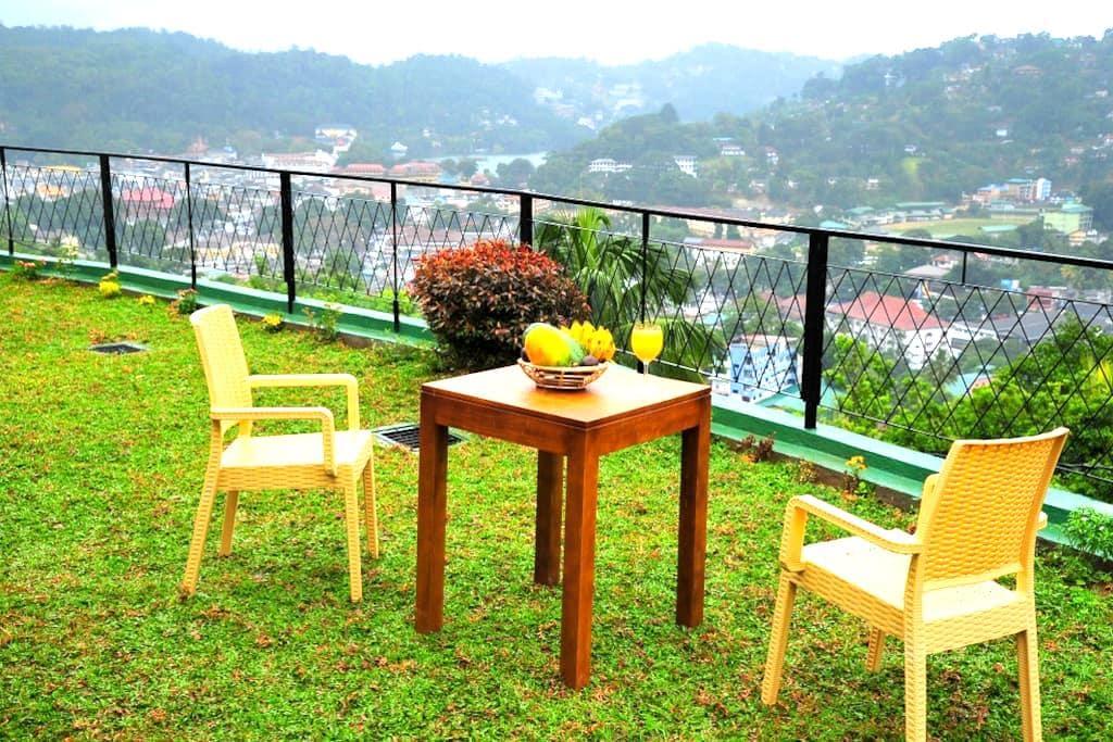 Beautiful Suite 1.6km to the city-Chathu - แคนดี้ - วิลล่า