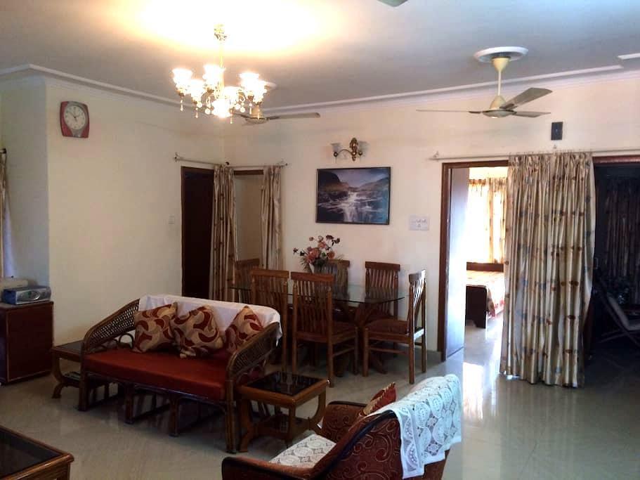 Centrally Located Beautiful 3bdr Apt w/ Doorman - Chandigarh - Departamento