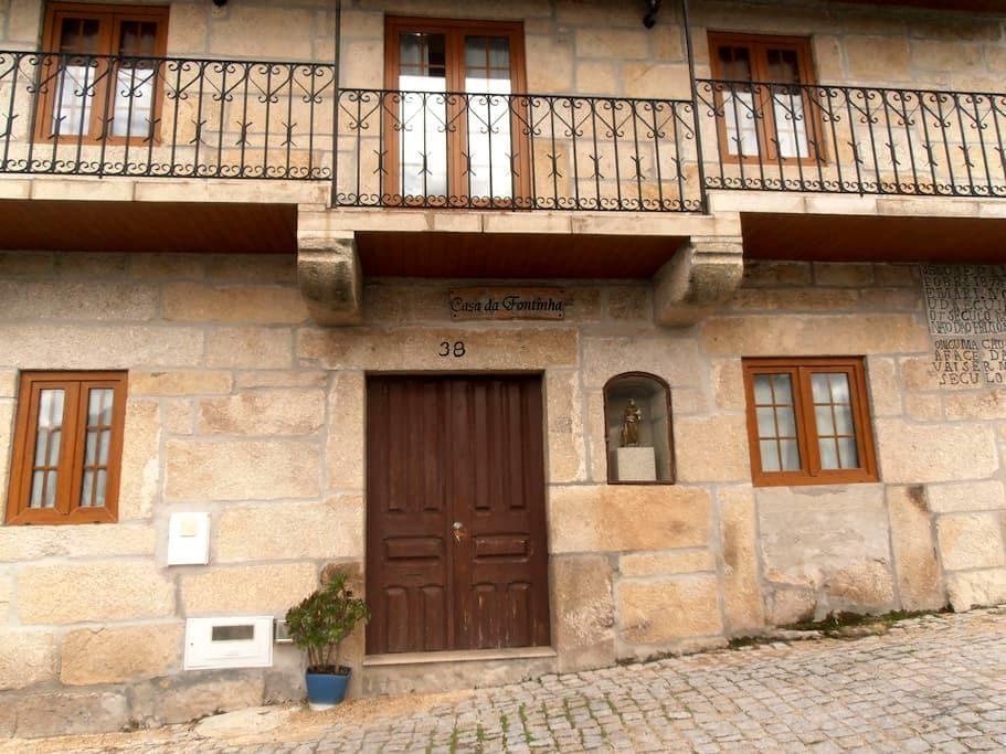 Quartos Duplos - Double Bedrooms - Castro Daire - Ev