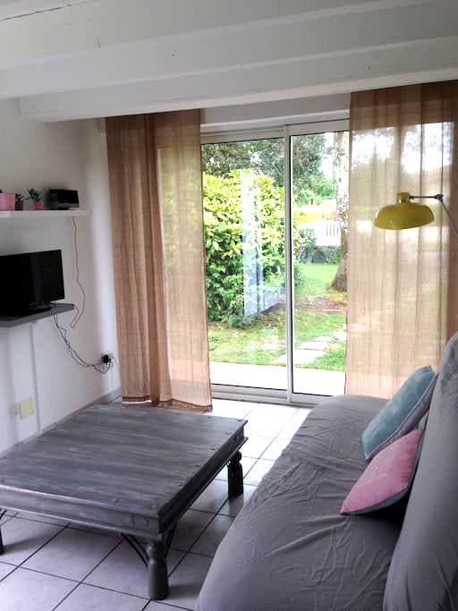 Studio cosy avec terrasse privative et jardinet - Cestas - Leilighet