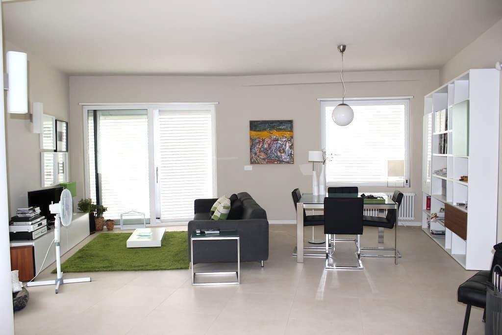 ELEGANTE APPARTAMENTO IN VILLA - Augusta - Wohnung