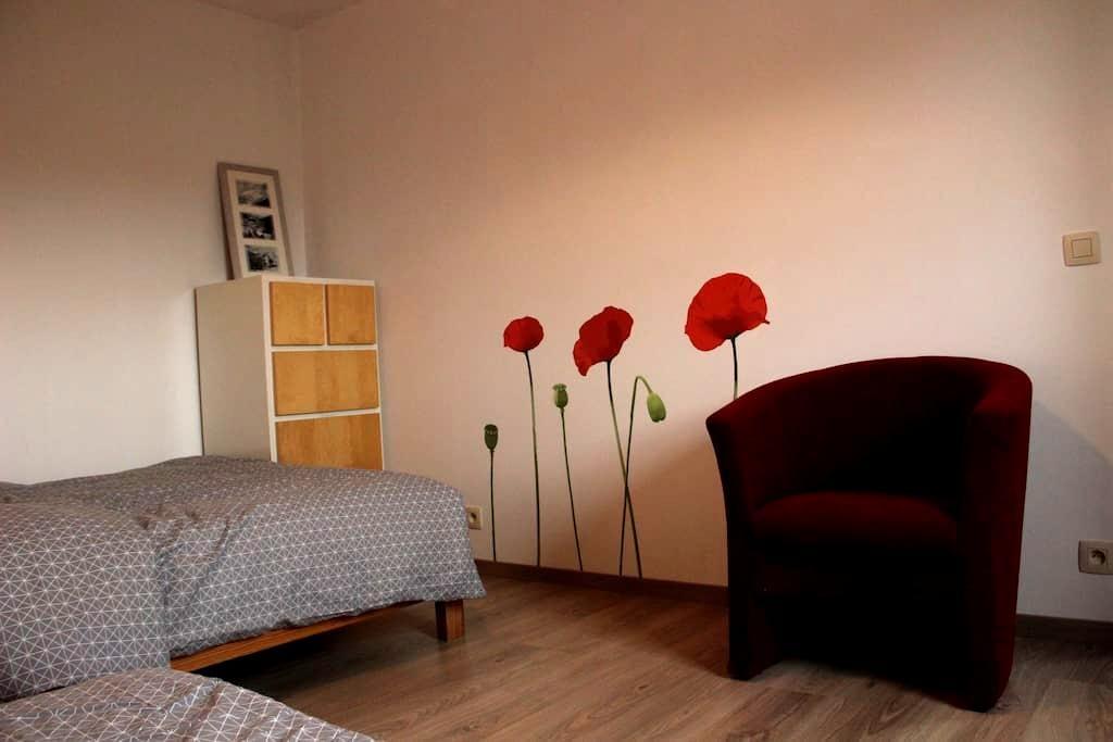 Gastenkamer in pastorijwoning - Jabbeke - Haus