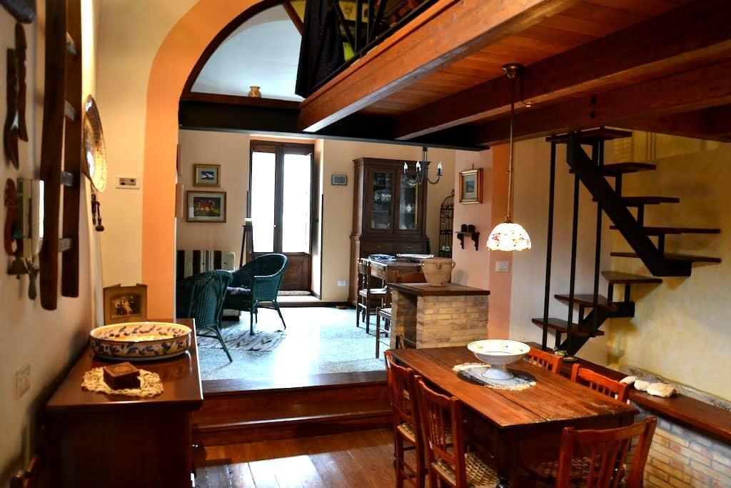 the house of Petralia's painter - Petralia Soprana - Casa