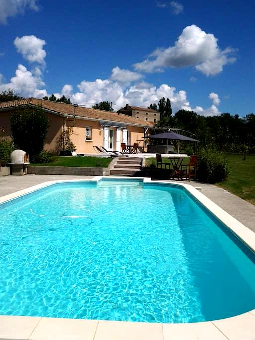private room  - Castelmoron-sur-Lot - Huis