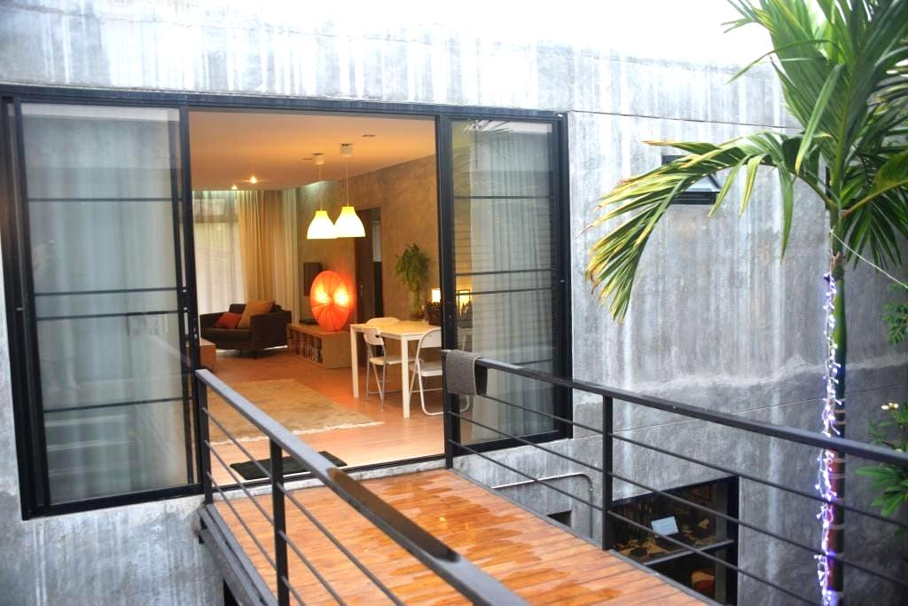 New self-contained, large modern apartment - Chiang Mai - Appartement
