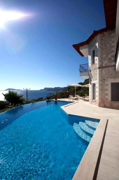 Stone clad villa 200 m from coast - Kas - Casa