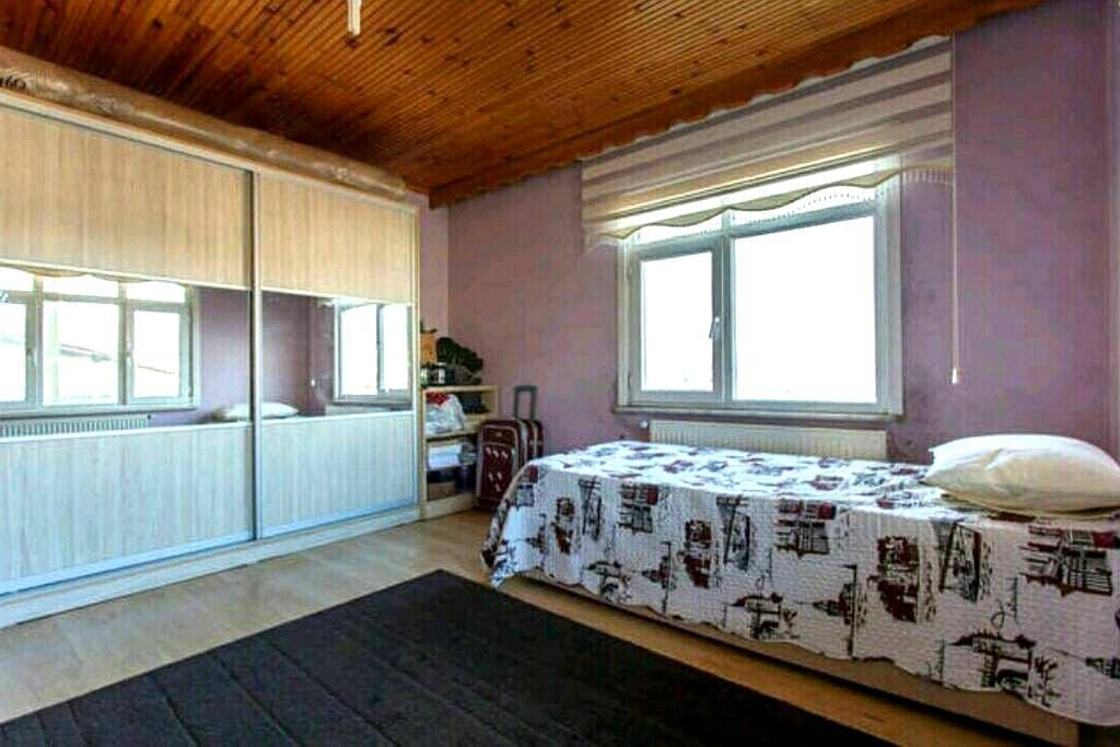 Quiet, comfy, and furnished room - istinye - Apartment