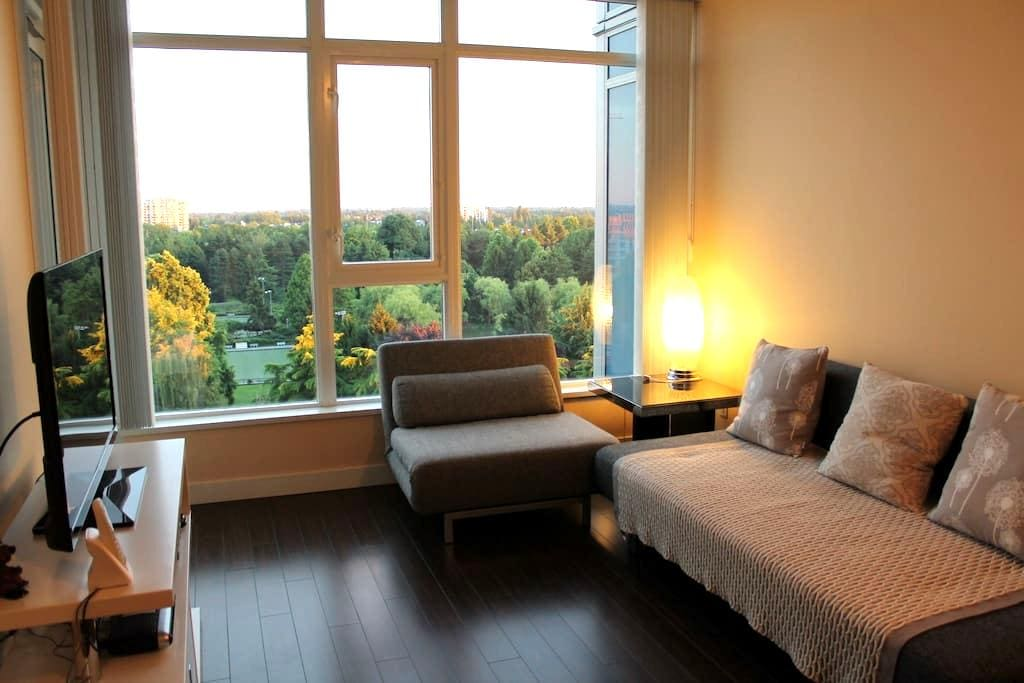 Nice 1 bdrm apt by Sheraton Hotel - Richmond - Apartment