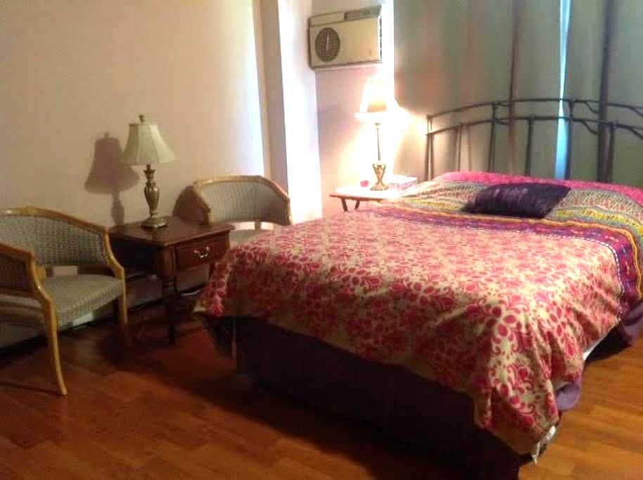 Special 2 br available in my Condo. - Lombard - Apartment