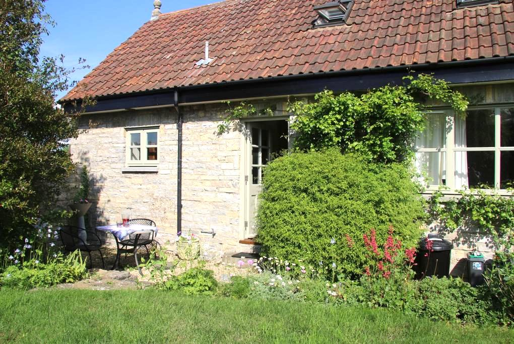 Rural cottage in peaceful location - Butleigh - Casa