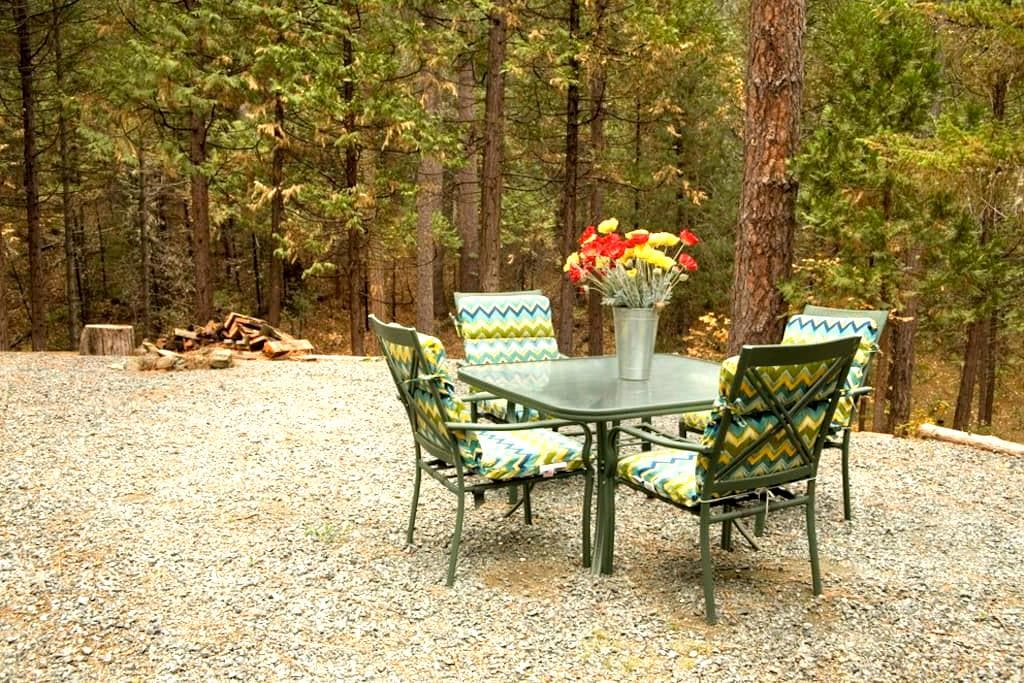 Quail Cottage near Yosemite - Coulterville - Huis