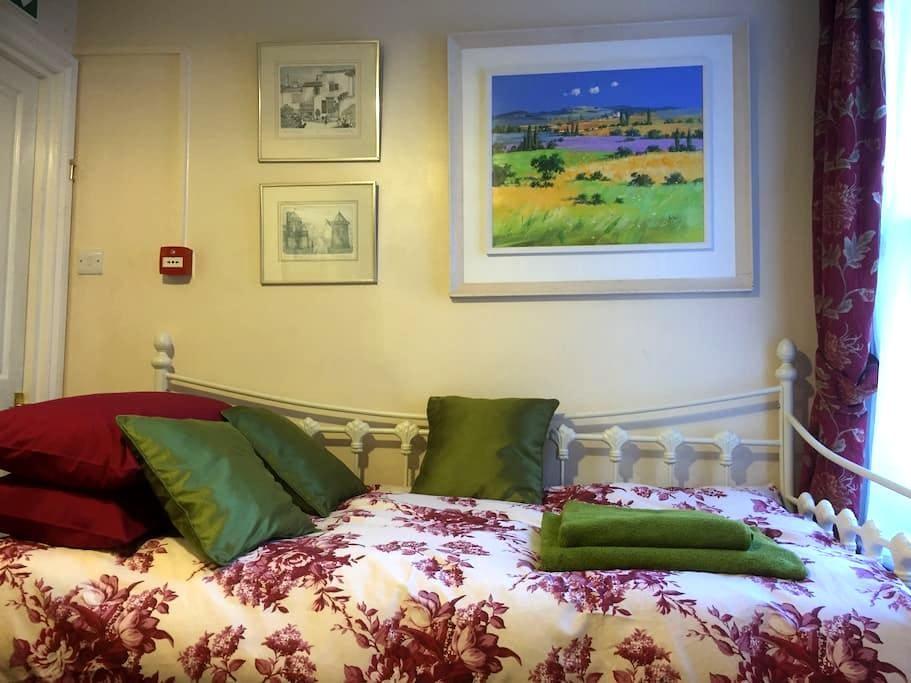 Cosy & convenient apartment in central Canterbury - Canterbury - Leilighet