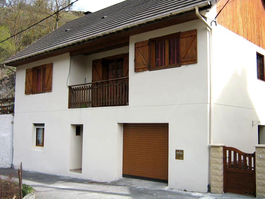 T2 au R de Ch maison individuelle - CIER DE LUCHON - Appartement