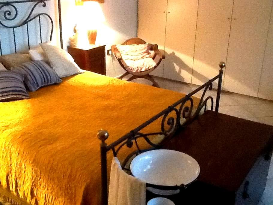 Affitto camera matrimoniale - San Giovanni Teatino - Lägenhet