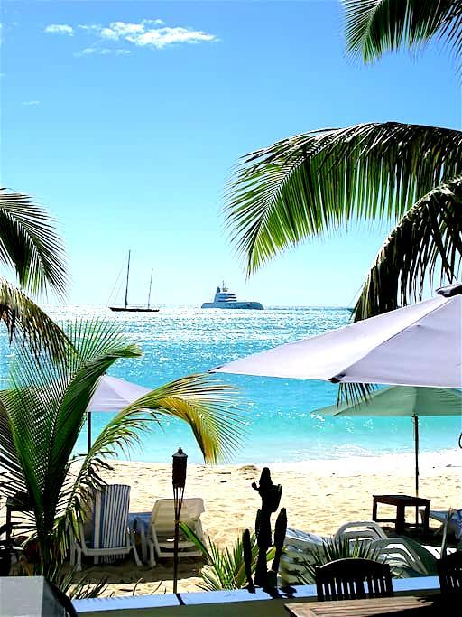 Azure Boutique Beach Hotel - Simpson Bay - Boutique hotel