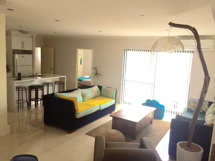 Room with Ensuite in Modern House - East Victoria Park - Ev
