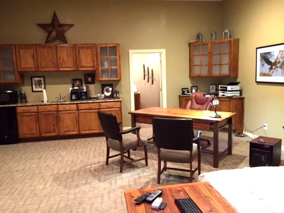 Guest Apartment in Kearney, Missouri - Kearney - Daire