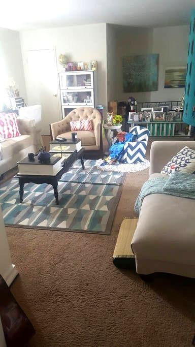 Cozy 1Bedroom with Patio Retreat! - Bensalem - Apartamento