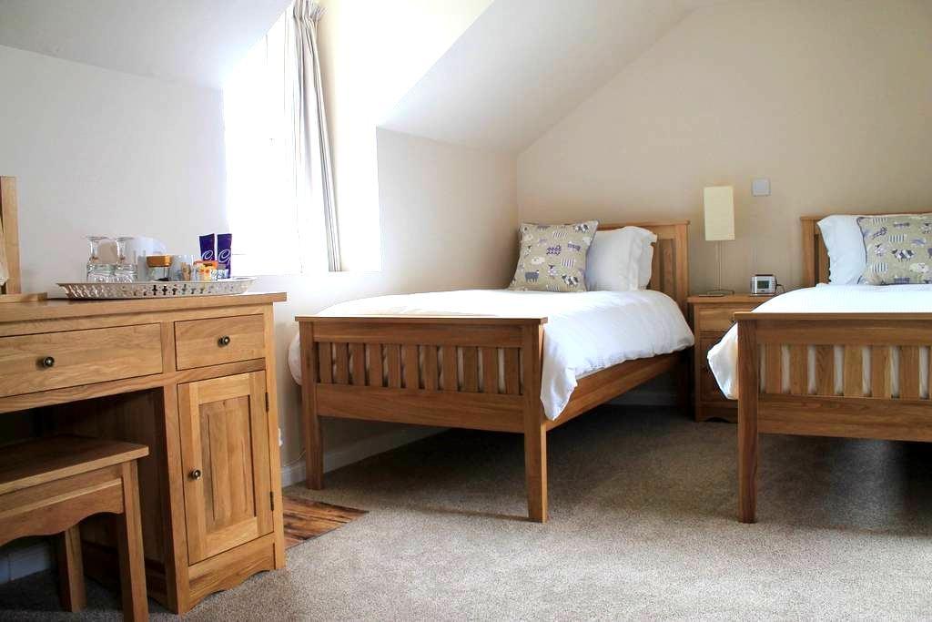 Haymount B&B Near River Tweed & Countryside - Coldstream - Bed & Breakfast