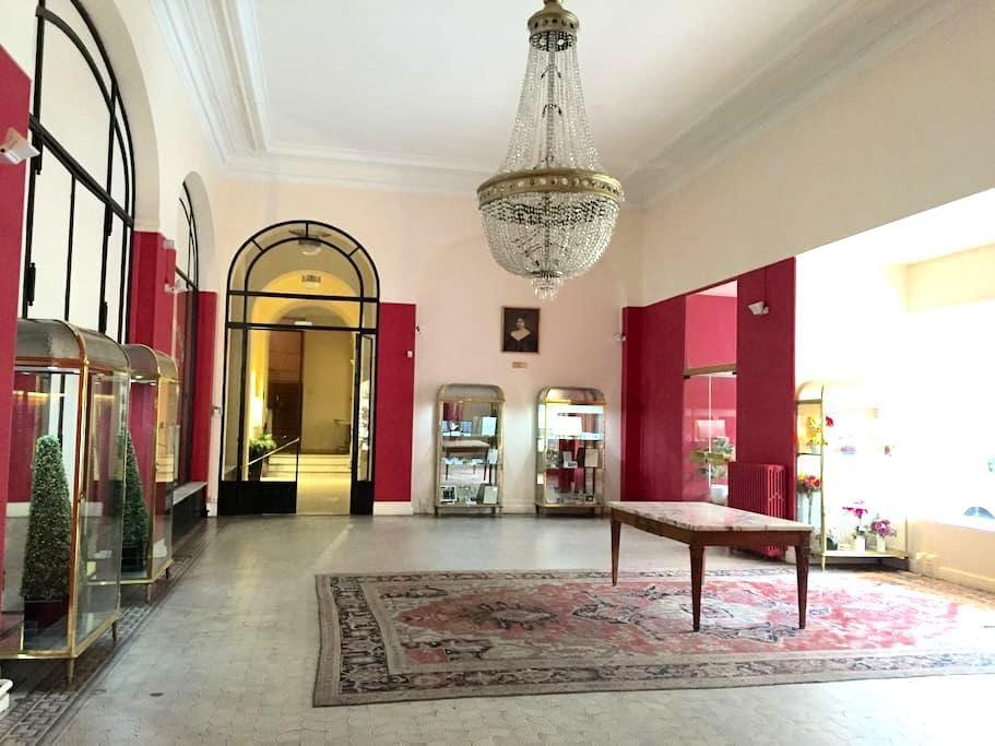 Studio calme au cœur de Vichy - Vichy - Apartament