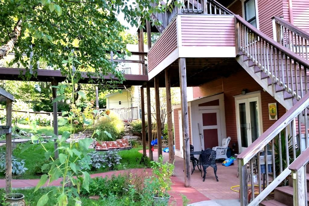 The Volker Nest - Kansas City - Rumah