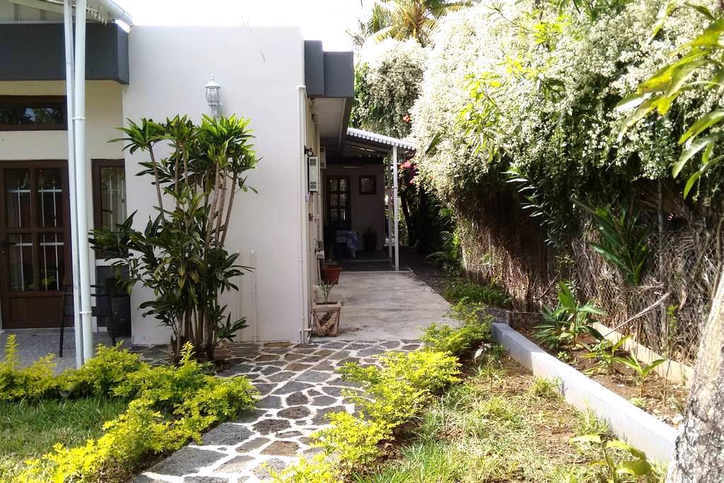 Studio in Gardenia Appartments - Grand Baie - Departamento
