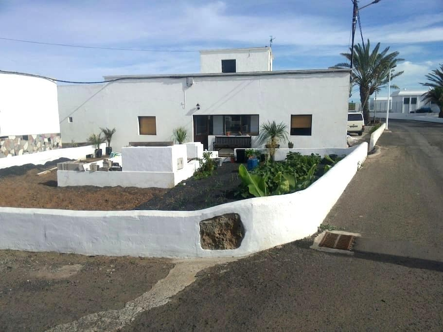 rooms and nature by ocean 2 - Las Palmas - House