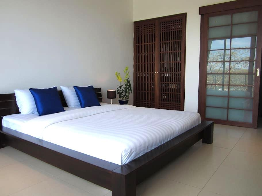 Stylish Sea View Room in Bang Tao Bed&Breakfast - Phuket Thailand - Bed & Breakfast