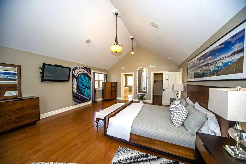 Massive luxurious Suite with Jacuzzi & Sauna - Bedford - Bed & Breakfast
