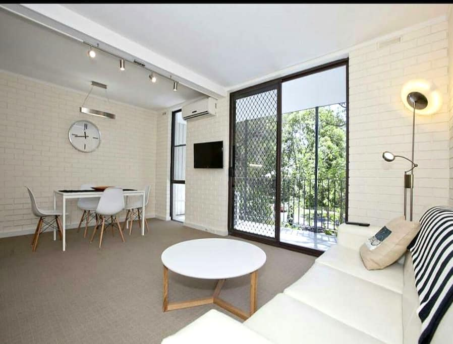 Sunny 2bed, leafy view & carspace - Mount Lawley - Leilighet