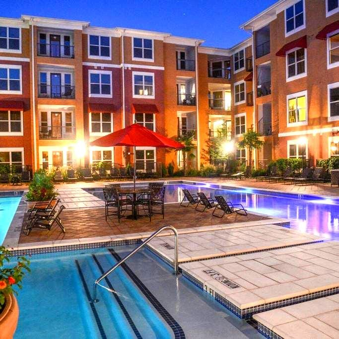Upscale Apartment at Prime Location - Frisco - Appartement