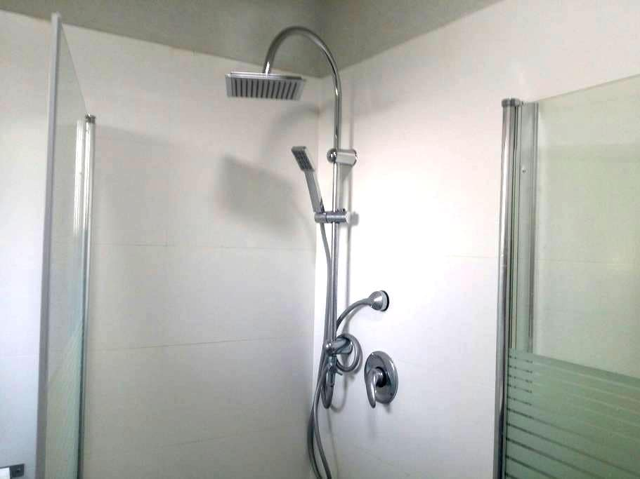Brand new, stylish nearby airport - Yagel - Appartement