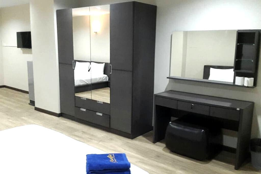 King Size DoubleBed/55 sq.m./Wi-Fi - Hat Yai - Appartement