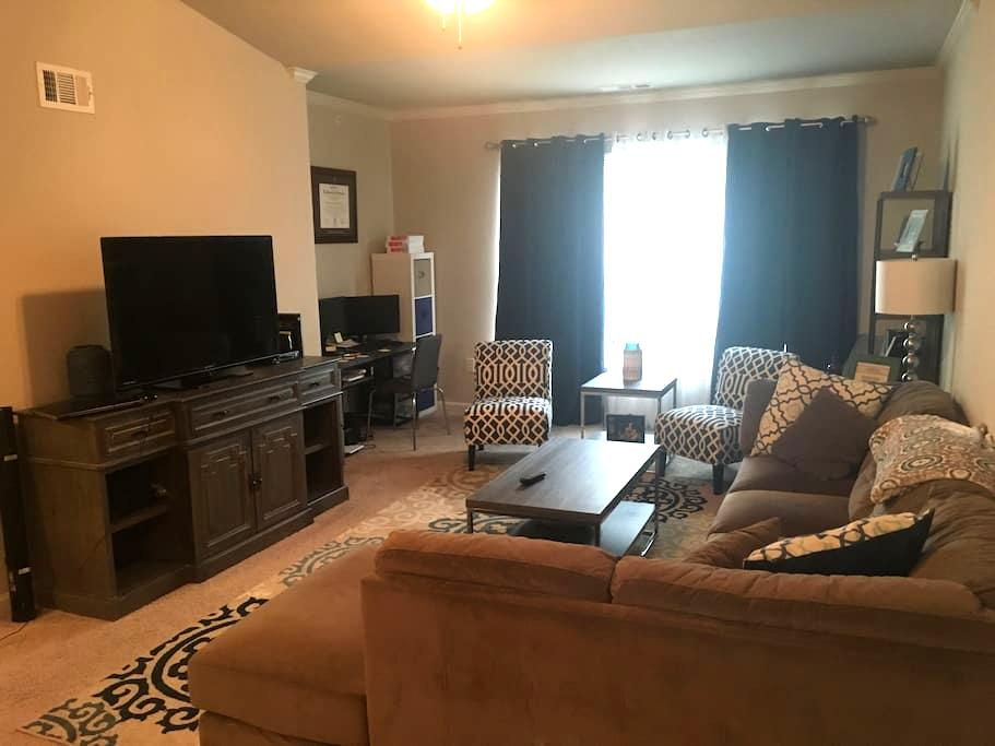 Full apartment right off Alcoa Hwy - Alcoa - Appartement