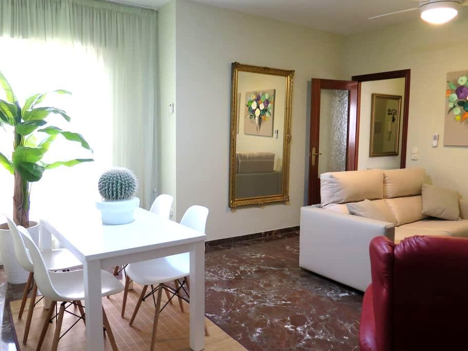 Apartment with parking in the center of Antequera - Antequera - Daire