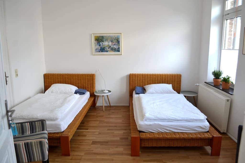 Doppelzimmer in einem Seminarhaus mit - Viersen - Appartement