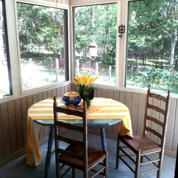 The Bugalow at Shady Oaks - Brooksville - Bed & Breakfast