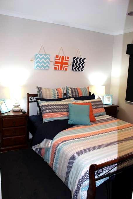 Modern home  -  Close to whites beach! - Torquay - Maison